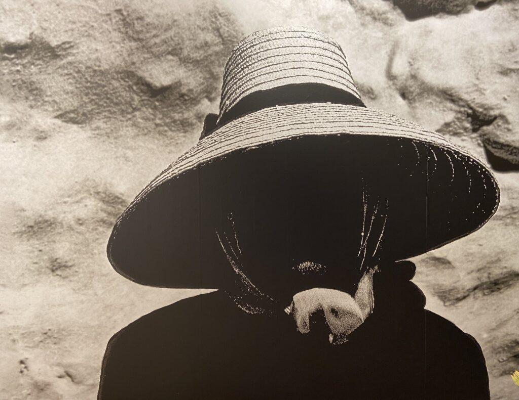 Exposición Sombrera en La Casa Amarilla