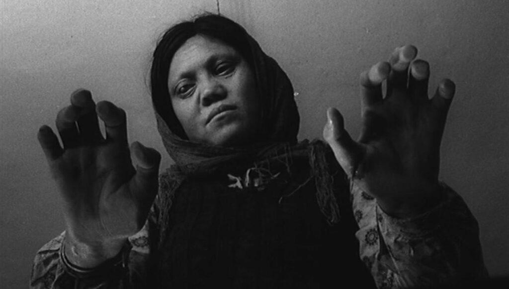 La casa es negra, de Forugh Farrochzad (1963)