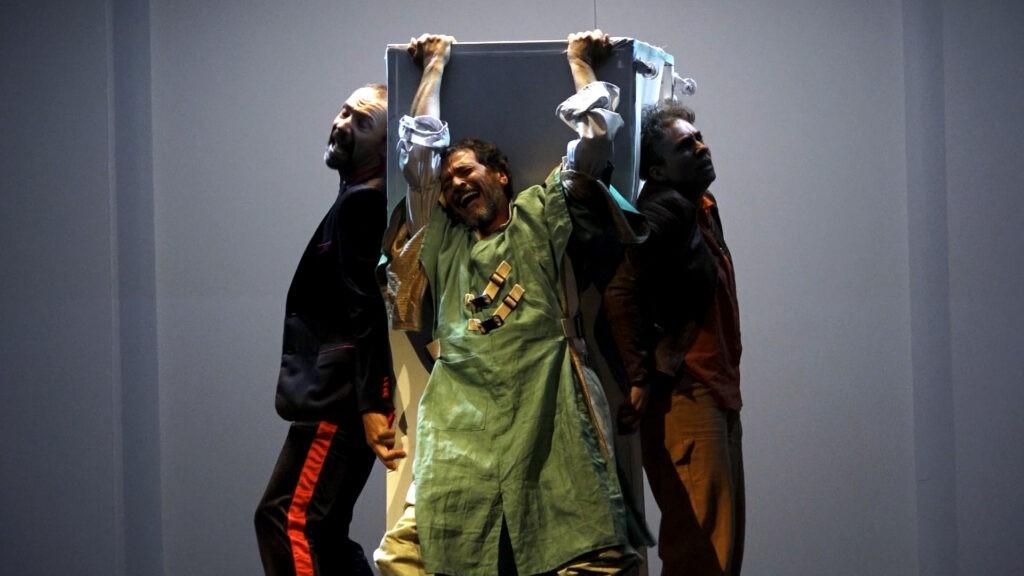 Las cicatrices del cuelo, Teatro La República 4