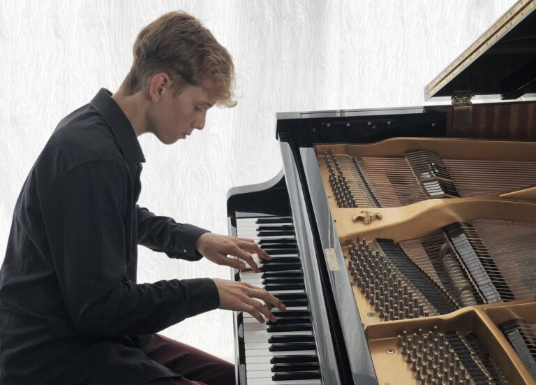 El mundo en un piano