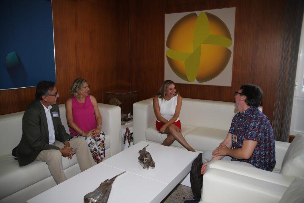 Reunión de la presidenta con representantes de Asociación Cultural Escultura César Manrique