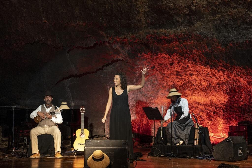 Taro, de Isabel Cabrera, Acoraida Cabrera y Alejandro Cabrera 3